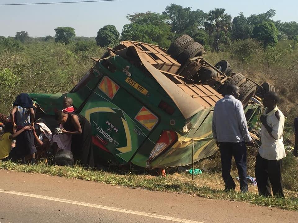 The Link Bus reg. number UBA 332B overturned at in Nakasongola on the Kampala-Gulu highway Sunday Morning (COURTESY PHOTO)