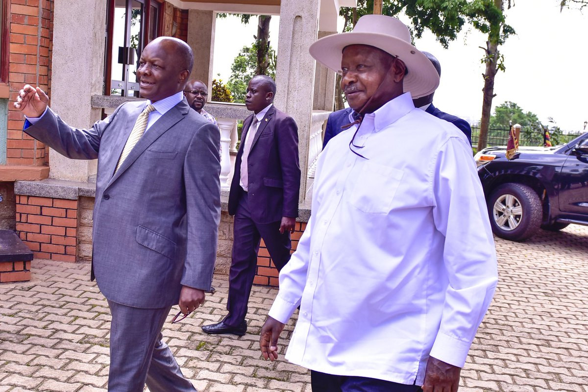 President Museveni on Tuesday paid a courtesy call on the Kabaka of Buganda, Ronald Muwenda Mutebi at his palace in Banda,a Kampala surburb (PPU PHOTO)