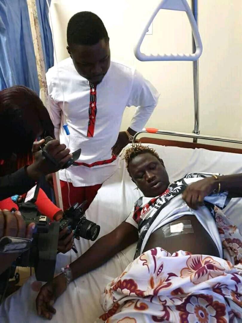 Mityana Municipality MP Francis Zaake visits singer in Rubaga hospital. (PML Daily PHOTO)