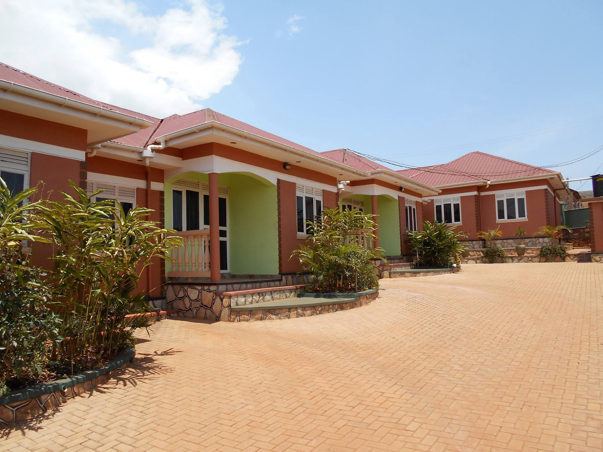 Semi-detached houses in one of Kampala's surburs. Attempts to relocate or find a good house has been met with ravaging conmen posing as brokers (FILE PHOTO)
