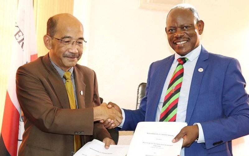 rof. Dr. Azrai HJ Abdullah, Prof. Barnabas Nawangwe