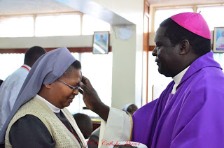 The Bishop of Kakamega Diocese, Rt. Rev. Joseph Obanyi Sagwe performs the Day of Ashes mass celebrations Last year. (AGENCIES PHOTO)