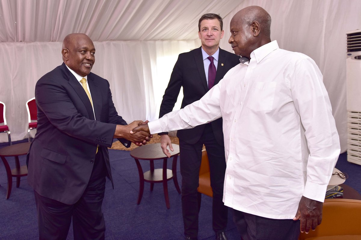 President Museveni meet with MTN officials led Group CEO Rob Shuter and their MTN Uganda Chairman Charles Mbire, on the sidelines of the Africa Now summit in Munyonyo, Kampala. (PPU PHOTO)