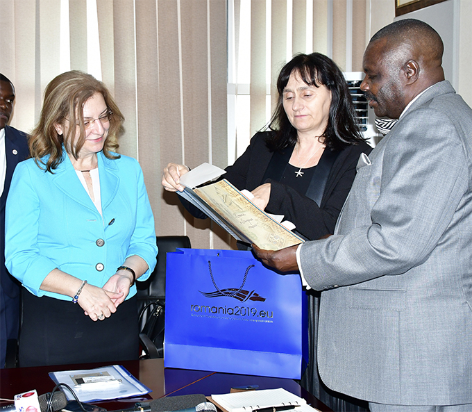 Deputy Speaker Jacob Oulanyah (R) meeting a delegation from Romania in hias boardroom on Monday