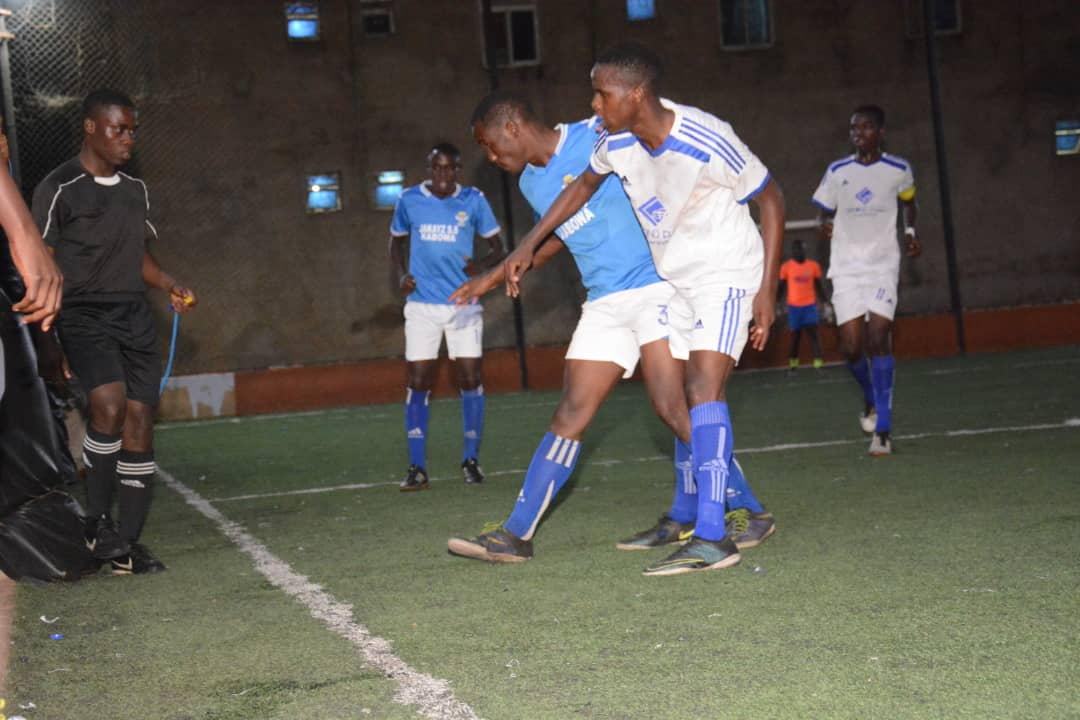 Yeak (Blue and White) will win the title if they avoid defeat on Thursday. (PHOTOS/FILE)