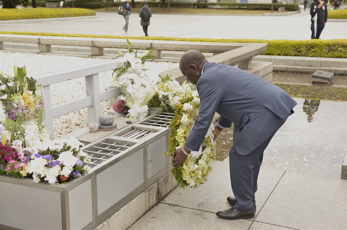 After  officiating at the Opening of the World Buddhist Summit in Osaka, Japan during  which I  invited Delegates to invest and/or come to  Uganda as  Tourists ;  I visited  and laid a Wreath at Hiroshima Memorial Site  where I called on the