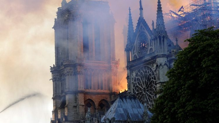 Flames and smoke engulf Notre Dame Cathedral  (AFP or licensors)