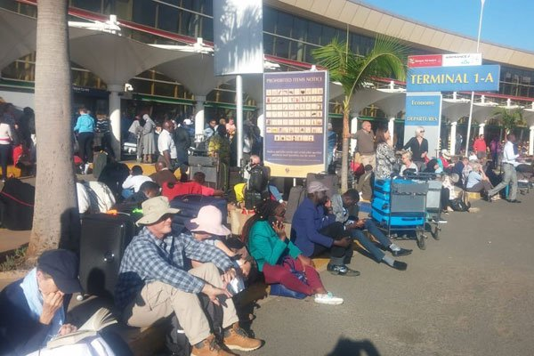 Hundreds of passengers were seen stranded at JKIA in Nairobi after their flights were delayed (COURTESY PHOTO)