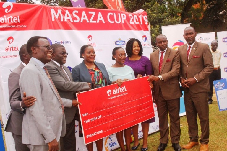 The UGX 400m Cheque on display on Monday. (PHOTOS/AGENCY)