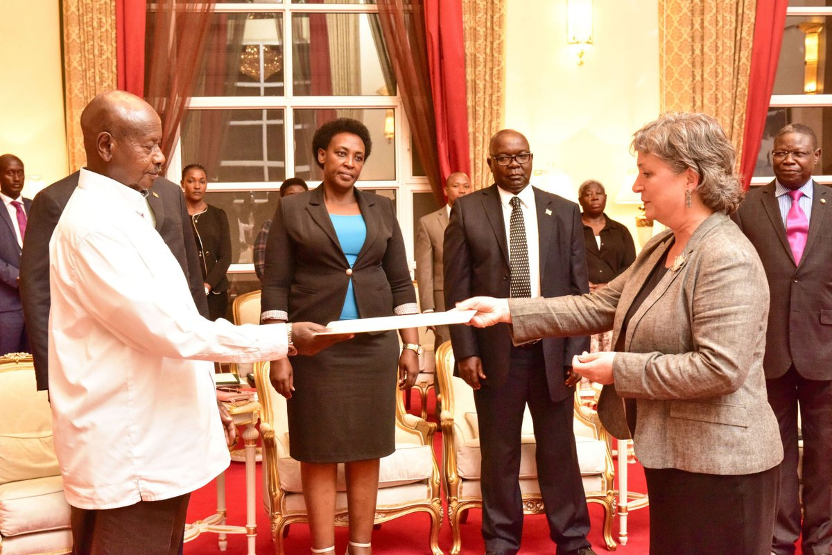 President Museveni has received credentials from Canada 's new High Commissioner to Uganda Lisa Stadelbaver during a ceremony at State House Entebbe (PHOTO/PPU)