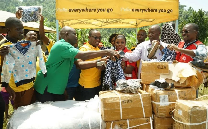 MTN gives materials to Bududa landslides victims on Wednesday. (PHOTO/Courtesy)