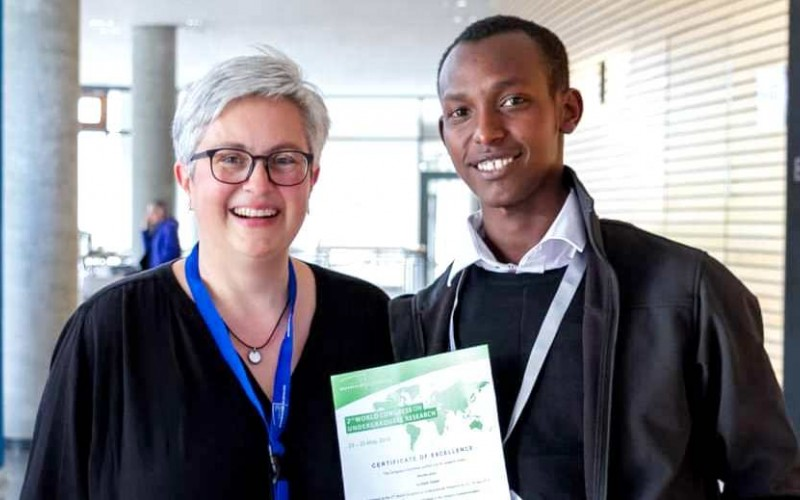 Mr. Gatale Elijah (Right) poses with Carl von Ossietzky University of Oldenburg's Susanne Haberstroh (Left) shortly after receiving his award on 25th May 2019, Oldenburg, Germany.  (PHOTO/Courtesy)