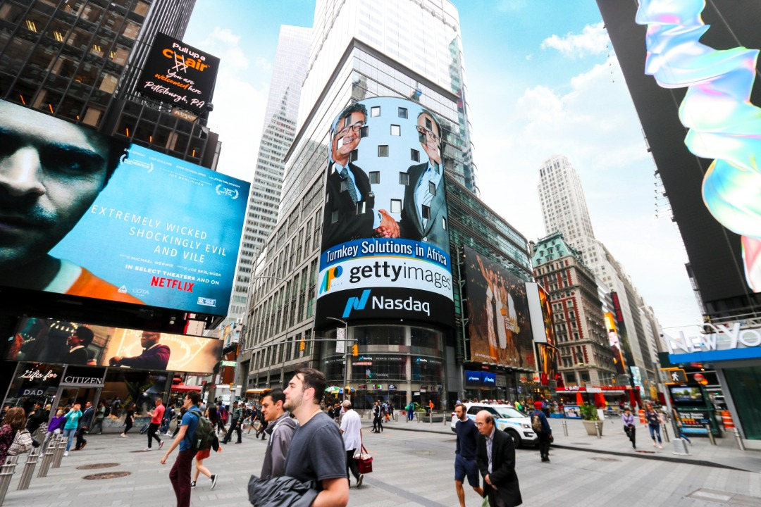 The strategic partnership was acknowledged with a photo of Lee Martin, Senior Vice President, Global Strategic Development at Getty Images, and Lionel Reina, CEO of APO Group, displayed on the NASDAQ Tower in New York's Time Square. The NASDAQ Tower is considered the most visible LED video display in Times Square and is one of the most valuable advertising spaces in the world. (PHOTO/APO Group)