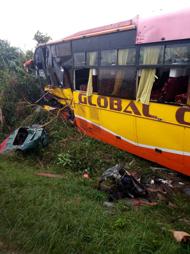 The accident happened at around 8:30AM after a bus belonging to Global Bus Company registration number UBB 195M collided head-on with a sand truck that was headed to Lwera, registration number UAY 069W. (PHOTO/Courtesy)