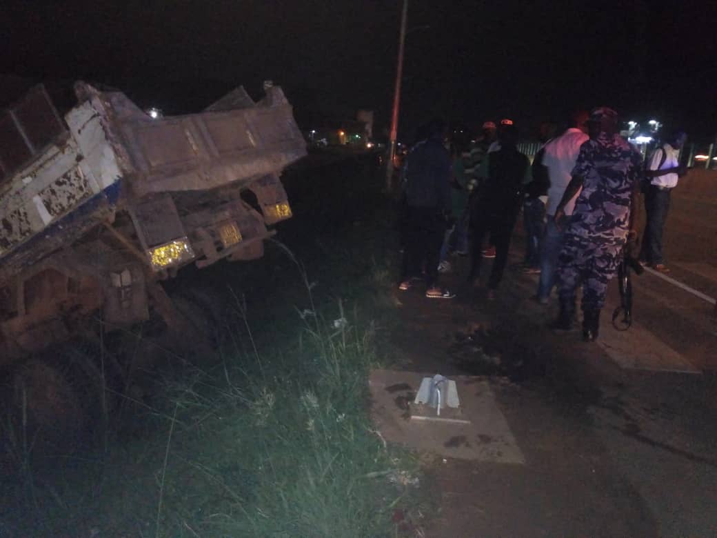 Isuzu truck number UAY 591W that got involved in an accident along Entebbe Express-Highway. (PHOTO/SARAH)