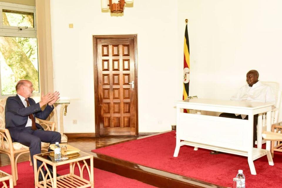 President Museveni meets British Envoy Peter West at Nakasero. (PHOTO/PPU)