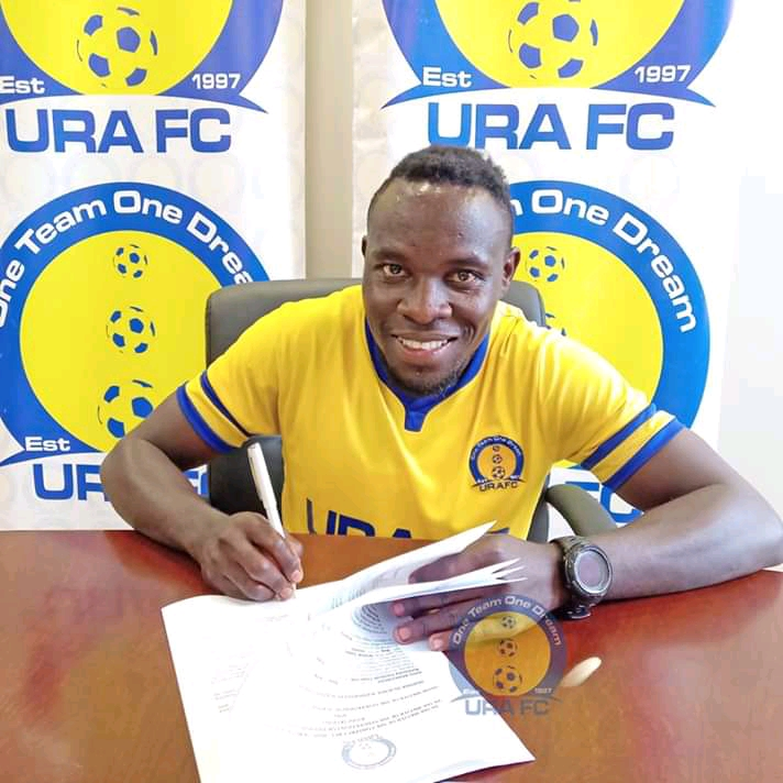 Ntege puts pen to paper on a two-year deal with URA FC. (PHOTO/URA FC)