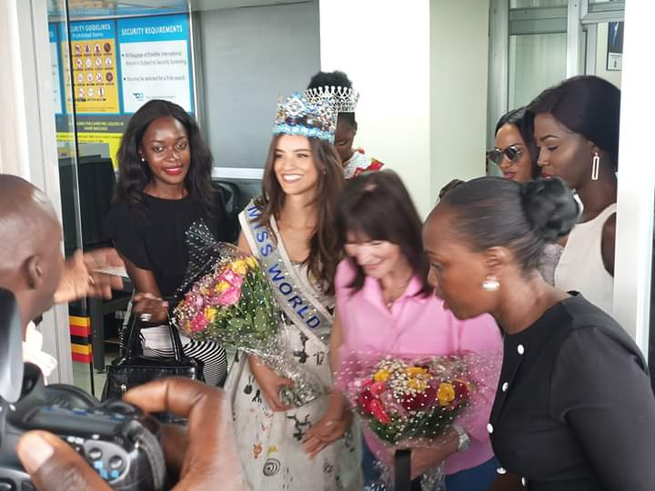 Miss World Ponce touched down at Entebbe International Airport to grace Miss Uganda finale. (PHOTO/PML)