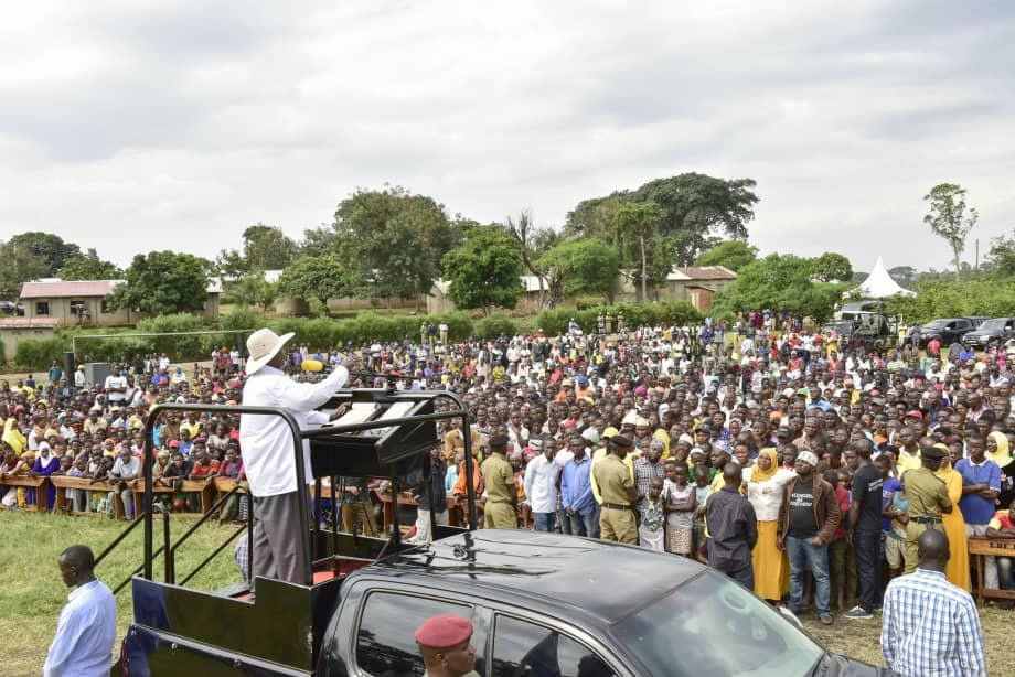 President Museveni speaks to Kyambura residents