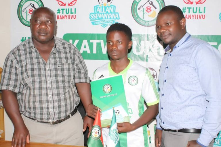 Billy Nkata (Centre) is one of Katwe's new signings. (PHOTOS/Courtesy)