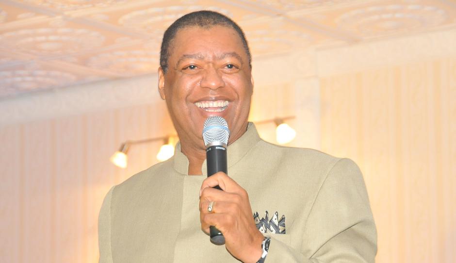 Gospel singer, Dr. Ron Kenoly will be in Uganda on September 1 at the Invitation of Prophet Elvis Mbonye