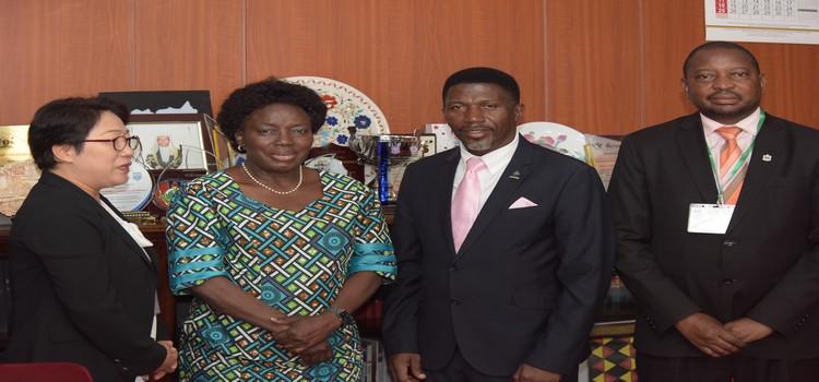 Speaker Rebecca Kadaga poses for a photo with Gsef Secretary General Laurence Kwark, Nakawa Mayor Eng. Ronald Nsubuga Balimwezo and Kawempe Mayor Dr. Emmanuel Serunjoji