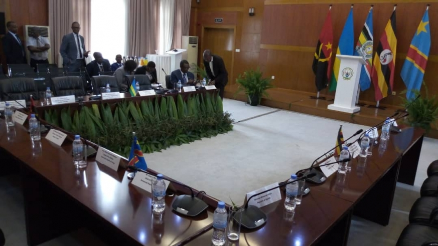 Rwanda and Ugandan officials Monday started a one-day meeting in Kigali to come up with a solution to end the ongoing impasse in relations between the two countries.