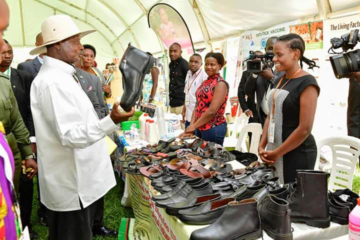 President Museveni lauded Makerere University for the world class innovations. He vowed to sponsor the innovations. (PHOTO/PPU)