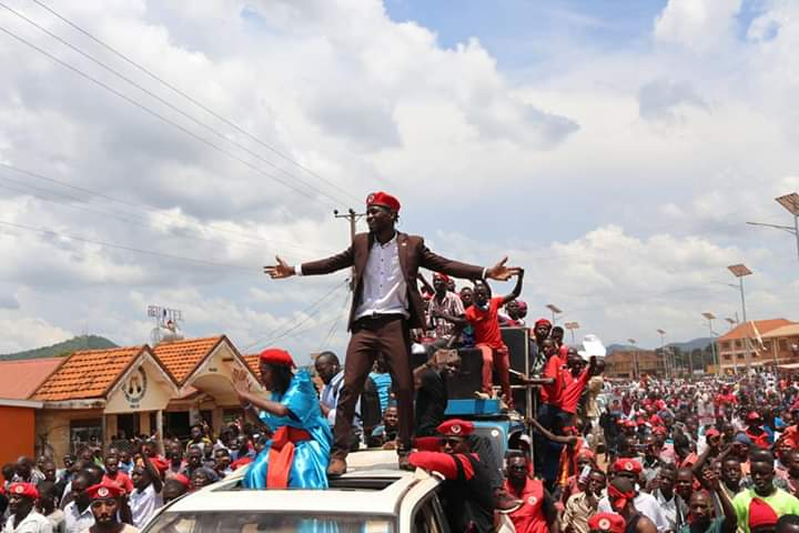 Kyadondo East MP Bobi Wine headed campaigns in Hoima to drum support for Asinansi Nyakato. (PHOTO/File)