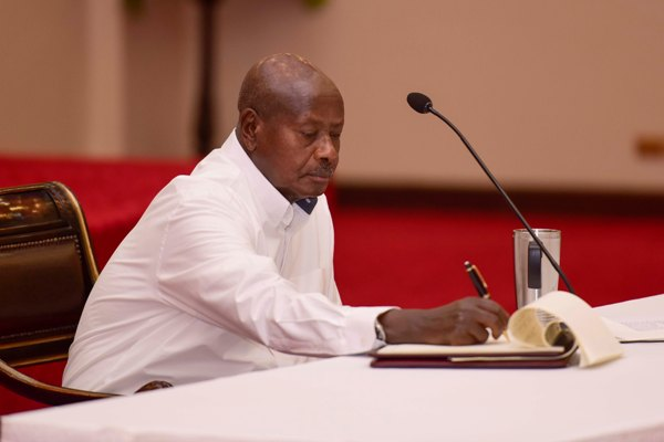 President Yoweri Kaguta Museveni has slammed opposition members of excitement over Kayihura sanctions. (PHOTO/File)