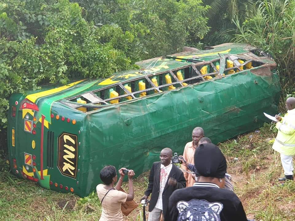 The bus that overturned on the way from Kasese to Kampala (PHOTO/Courtesy)