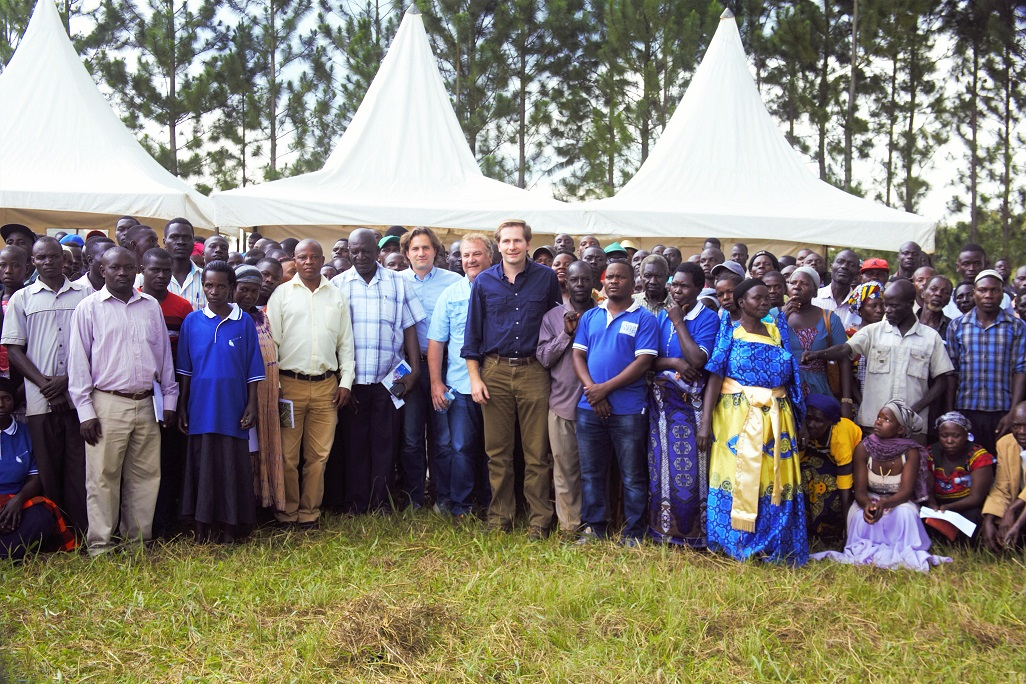 Farmers join Agilis Partners founders, RDC Kiryandongo and the Kiryandongo District Agricultural Officer for a group photo during the Farmers' Day in Kigumba