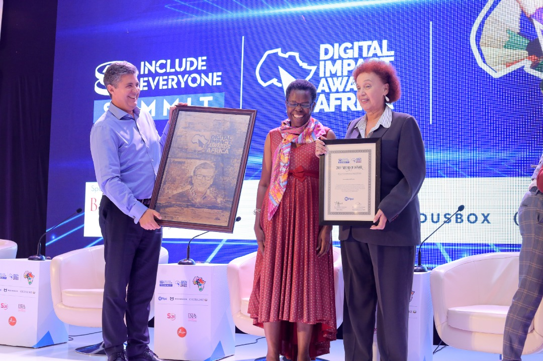 Dr. Warren D. Carew, Vice President – Payment at ModusBox received the award on behalf of the Gate Foundation at the recently concluded 6th edition of Include Everyone Summit and #DIAA2019. (PHOTO/Courtesy)