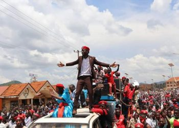 Kyadondo East MP Bobi Wine headed campaigns in Hoima to drum support for Asinansi Nyakato.