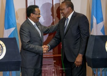 Presidents Uhuru Kenyatta and Mohamed Abdullahi Mohamed of the Federal Republic of Somalia