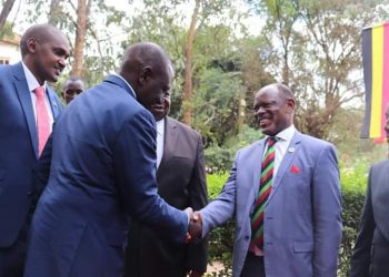 Makerere Vice Chancellor Prof Barnabas Nawangwe and Kenyan Deputy William Ruto (PHOTO/File)