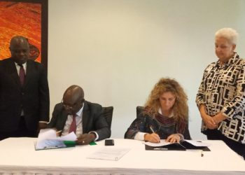 US Ambassador to Uganda HE. Deborah Malac and Uganda's Minister of State for Works and Transport Aggrey Bagiire witnessed the signing of the letter of agreement whose signatories were Dr. Kakuba and Dr. Anna Prouse, the Head of Government Relations at Loon LLC (PHOTO/Javira Ssebwami)