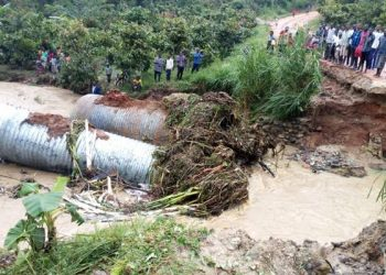 Transport was last year paralysed in different parties of the country including Bundibugyo District after heavy rain  washed away a number of bridges and displaced hundreds of families (PHOTO/File)