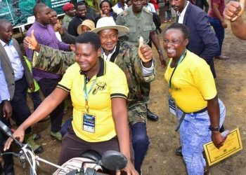President Museveni surprised the people of Fort Portal when he arrived on  Boda Boda