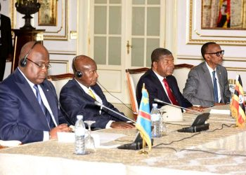 President Museveni (2nd left) and his Rwandan counterpart Paul Kagame