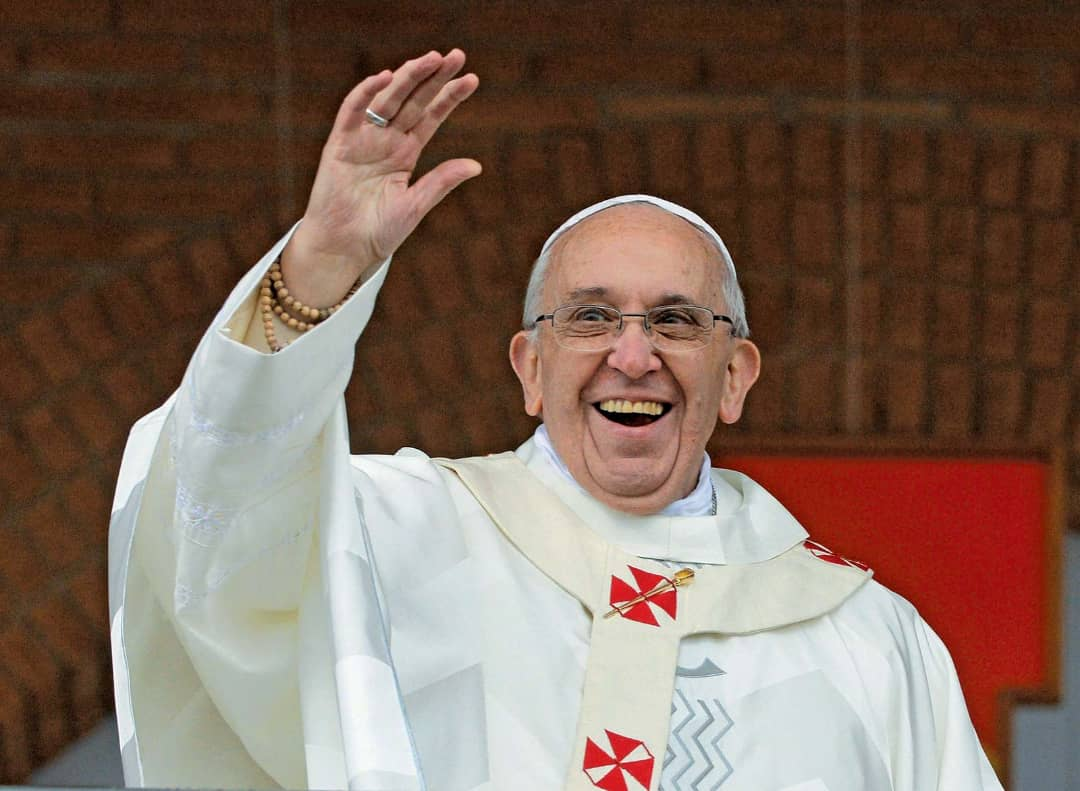 Pope dismisses proposal to allow married priests