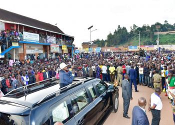 President Museveni speaks to citizens at Katuna border after the Quadripartite Summit (PHOTO/PPU)