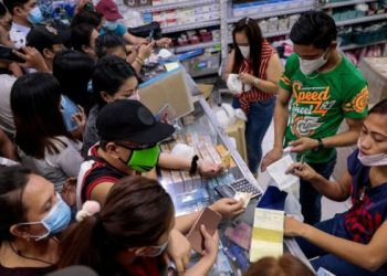 People in Manila rushed to buy face masks after the first case of coronavirus was confirmed in the Philippines last week