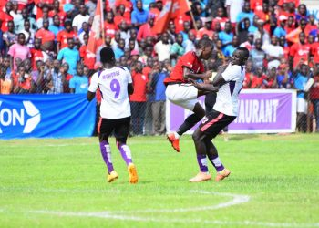 Action between Wakiso Giants FC and Vipers SC on Friday. (PHOTOS/Courtesy)