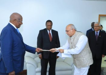 Sudhir presents his credentials to foreign affairs minister Sam Kuteesa (PHOTO/PML Daily).