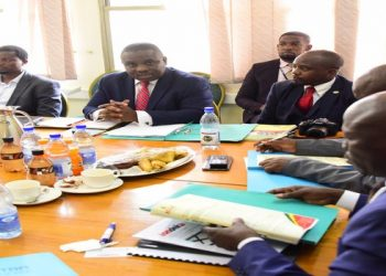 he Lord Mayor(C) appearing before the Committee on Trade with officials from Tondeka (PHOTO/PML Daily)