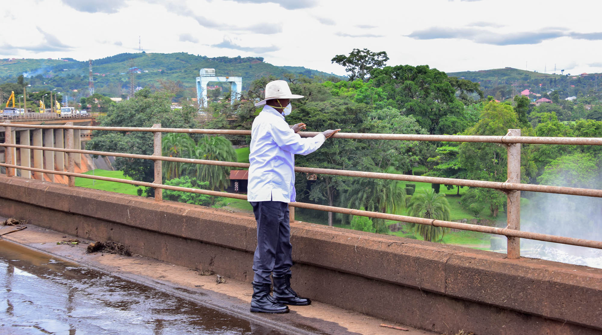 President Museveni inspects works at Nalubale Dam recently (PHOTO/PPU)