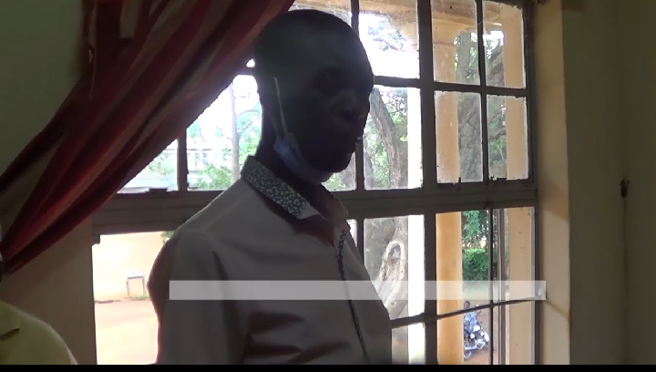 Jinja RDC Eric Sakwa reportedly raids DISO office (PHOTO/Screengrab)