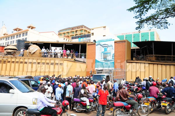 People gathered at Nakasero Mosque in Kampala on Tuesday morning following police raid that left several guards arrested and offices vandalised (PHOTO/Daily Monitor).