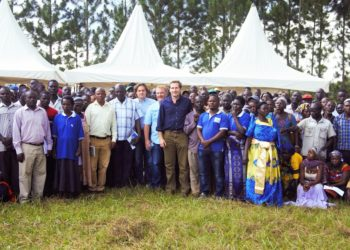 Farmers join Agilis Partners founders, RDC Kiryandongo and the Kiryandongo District Agricultural Officer for a group photo during the Farmers' Day in Kigumba (PHOTO/File).